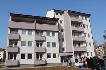 Предсједник Савчић присуствовао додјели станова у Угљевику