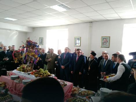 """Савчић и Милетић присуствовали Божићном пријему у касари """"Козара"""""""