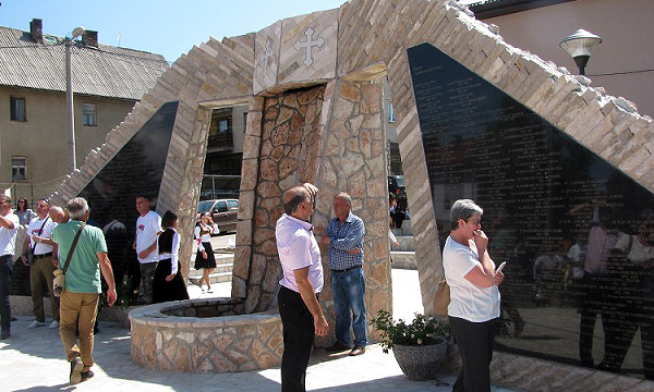 У Калиновику одржана традиционална кошевина и освештан споменик погинулим борцима